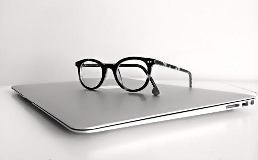 blue light glasses popularity2