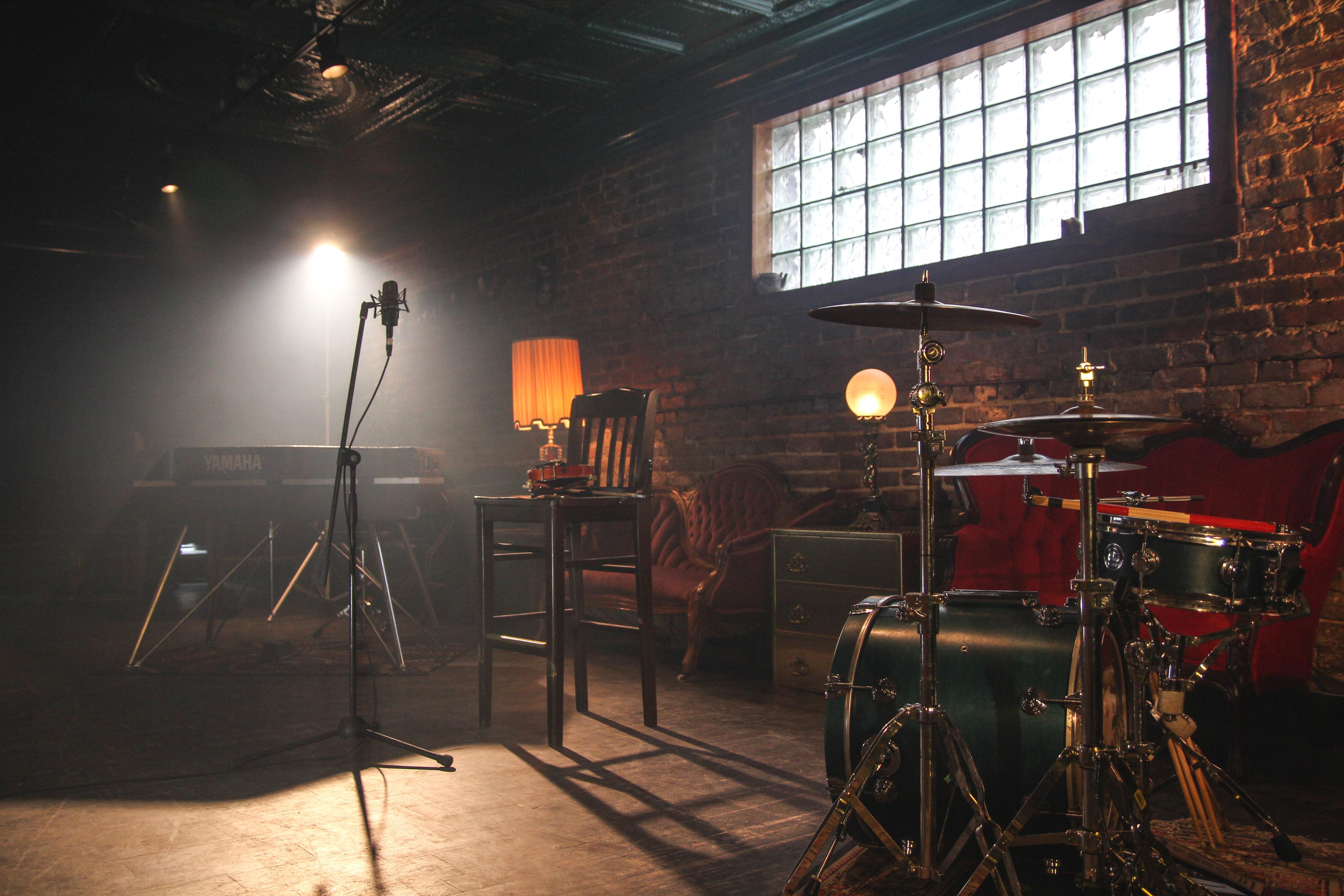 Joel Vallone studio