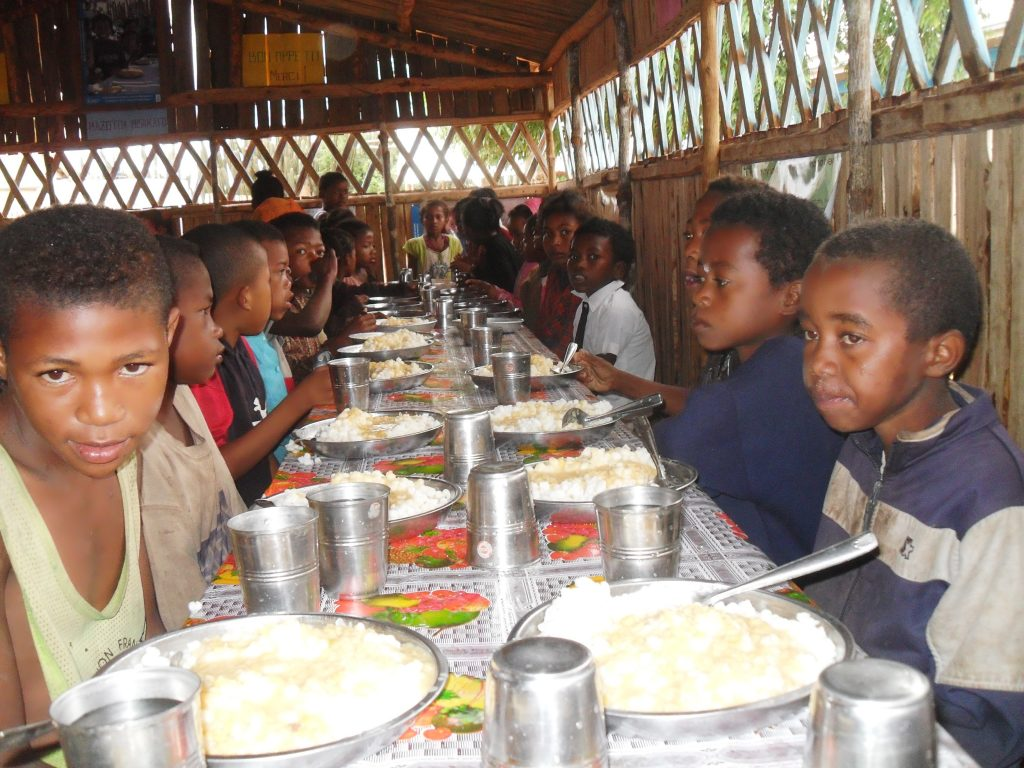 Governments-urged-to-take-urgent-action-to-prevent-devastating-nutrition-and-health-outcomes-for-the-370-million-children-missing-out-on-school-meals-amid-school-closure.-Photo-Miriam-Gathigah-1-1024x768