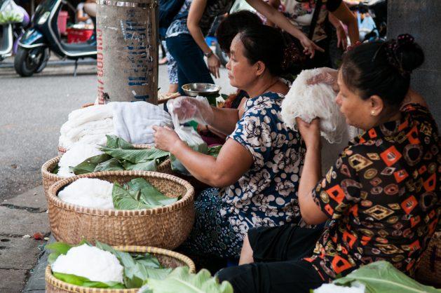 Hanoi-Street-Food-%C2%A9-2015-CIAT-Georgina-Smith-629x418