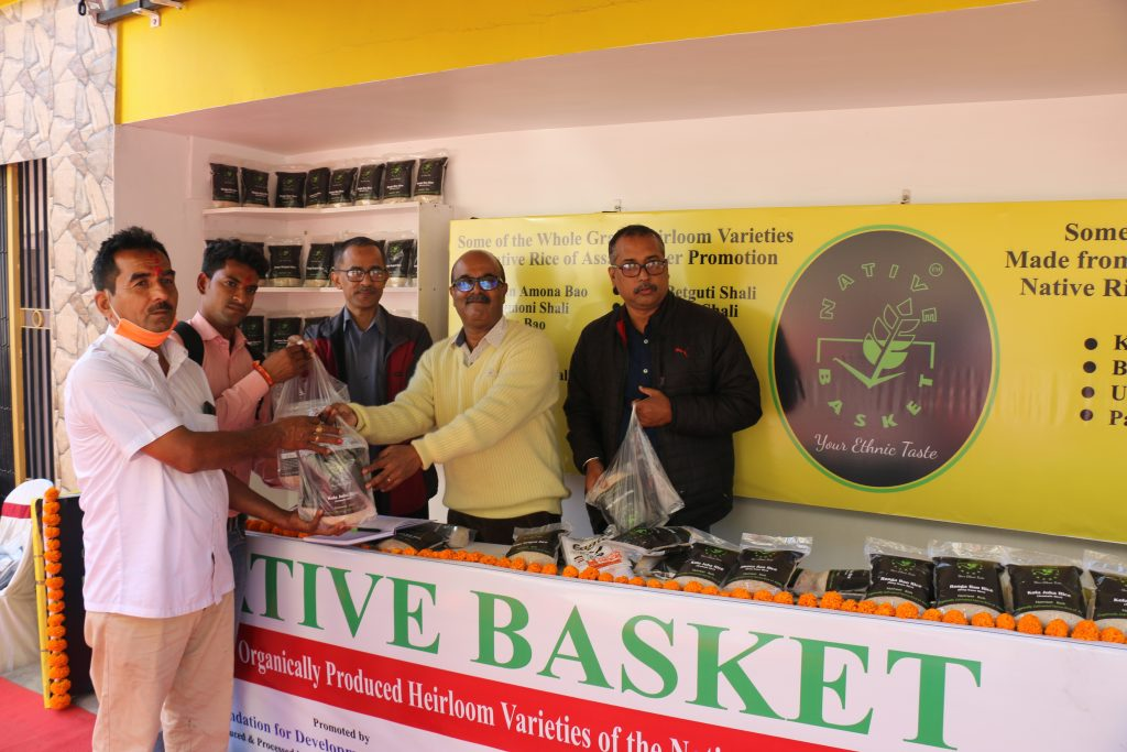IMG_0850_First-customer-at-Native-Basket-outlet_Credit-Sonal-Dsouza-1024x683