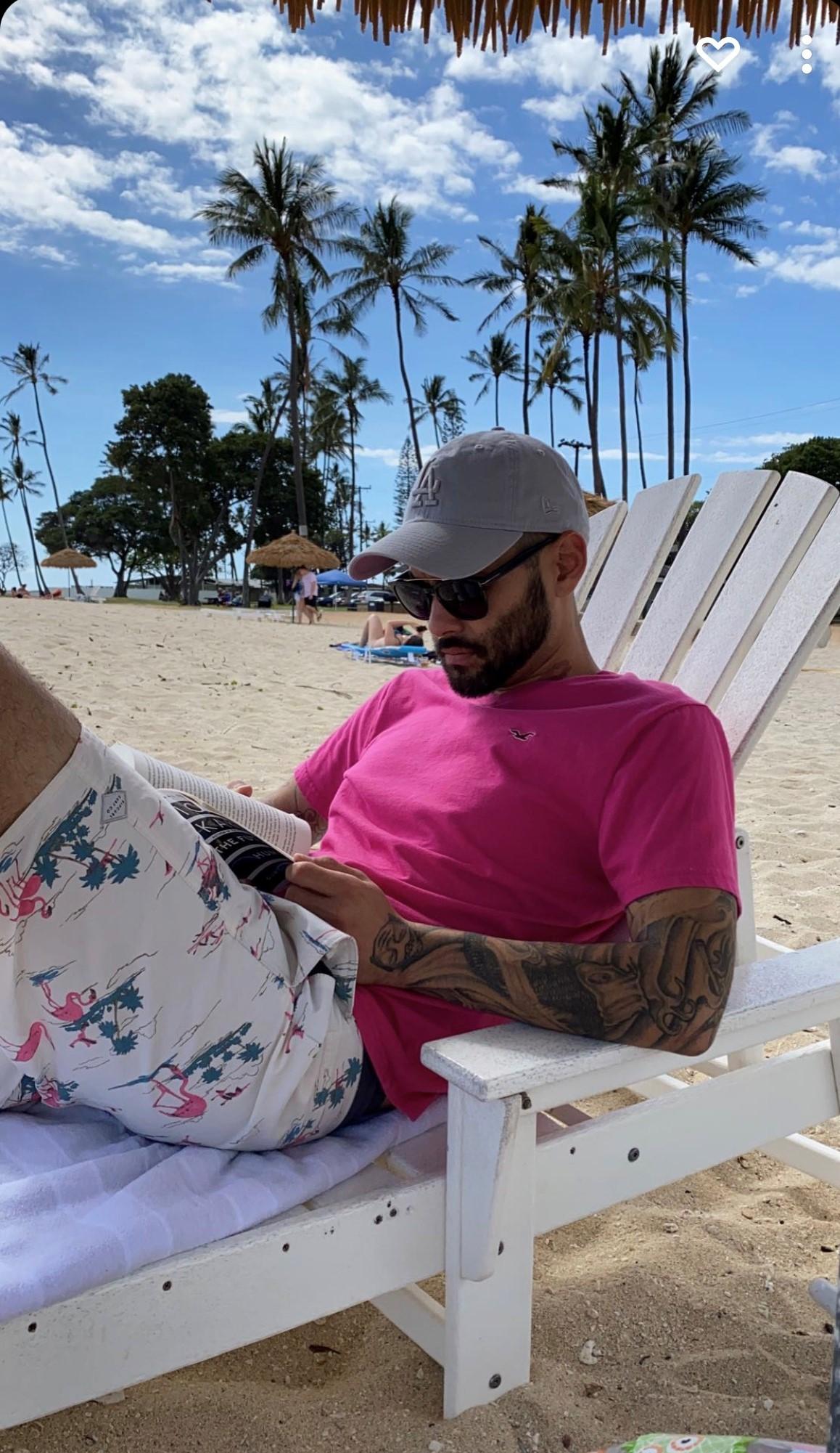 Justin Alpert Hawaii chilling